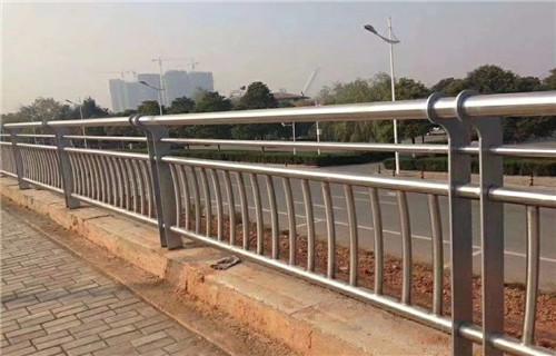 百色201不锈钢复合管护栏价格优惠