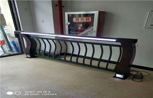 内江道路隔离栏杆质优价廉焊接安装