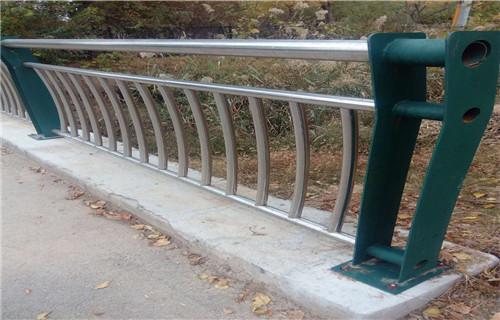 佛山双金属复合管护栏实力大厂新闻资讯