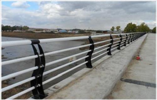 张家界专业不锈钢复合管护栏走势焊接安装